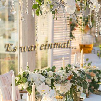 Hochzeitstafel einer Märchenhochzeit