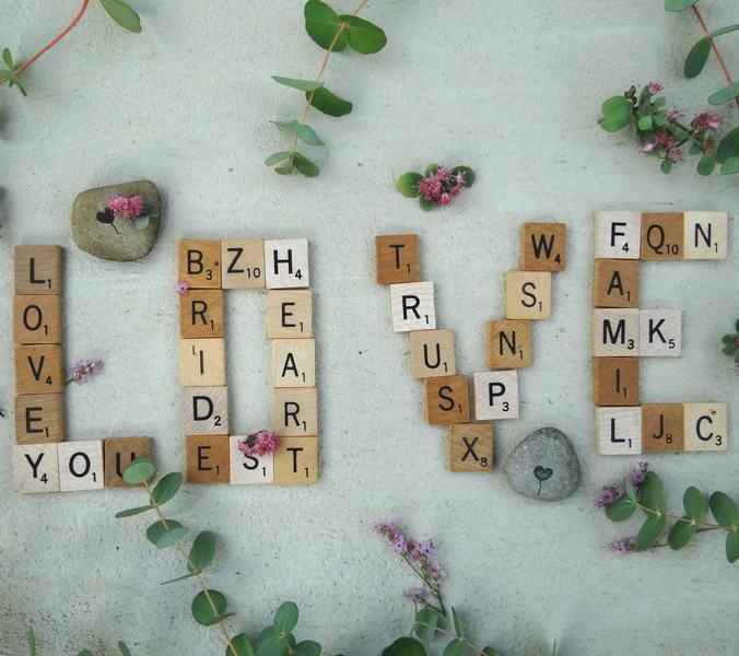 Love aus Scrabble Buchstaben