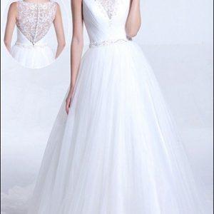 Brautkleid aus Tüll mit Spitzenoptik am Rücken