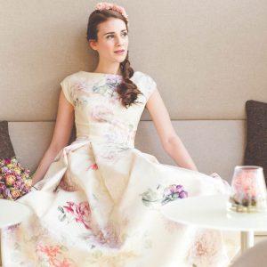 Brautkleid mit Blumendruck