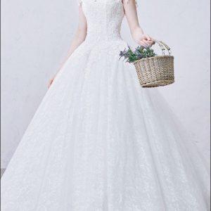 Prinzessin Brautkleid aus Spitze mit Ärmelchen